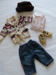 0-6 months - What do a ski sweater, golden booties and a faux fur hat all have in common? They go well with jeans! We also added in a long-sleeve onesie in white with a pink toile floral pattern by Tommy Hilfiger.