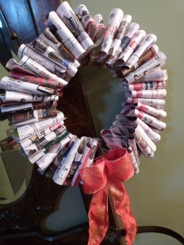 Pleated newspaper Christmas/Holiday wreath