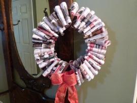Pleated newspaper Christmas/Holiday wreath