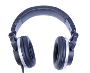 Listening to music to lift your spirits via quillandcurio.com
